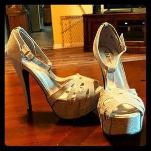Shi by journey heels